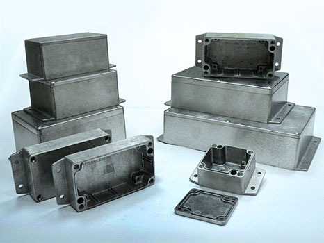 Sealed diecast aluminium enclosures with the flanges